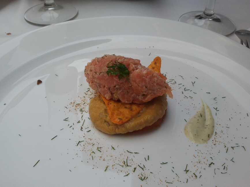 Arbidel Torto-tartar de salmn marinado, guacamole y sus alios